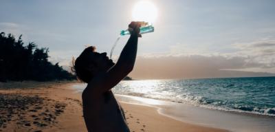 Nepodceňujte pitný režim během léta!